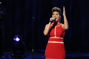 Tessanne Chin performing Whitney Houston's I have nothing on NBC The Voice - Season 5