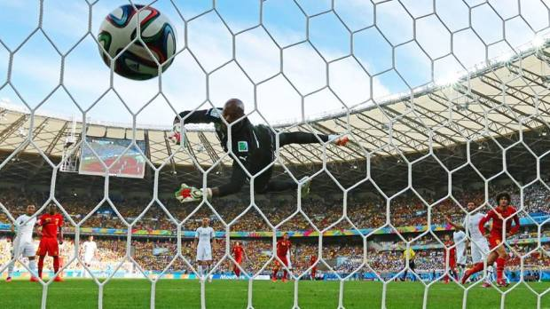 2014 FIFA World Cup - BELGIUM 2-1 ALGERIA - Marouane Fellaini's header hits the back of the net