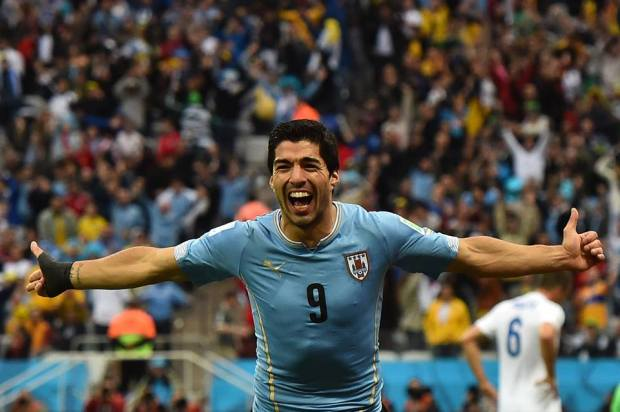 2014 FIFA World Cup - Uruguay's Suarez celebrates scoring the opener in the 39th minute.