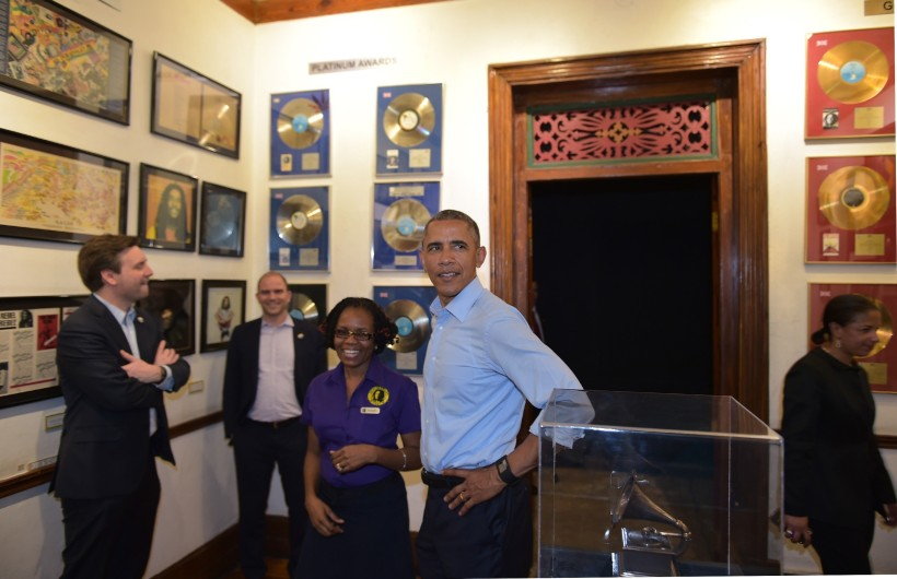 Barack-Obama-visit-the-Bob-Marley-museum-on-visit-to-Jamaica