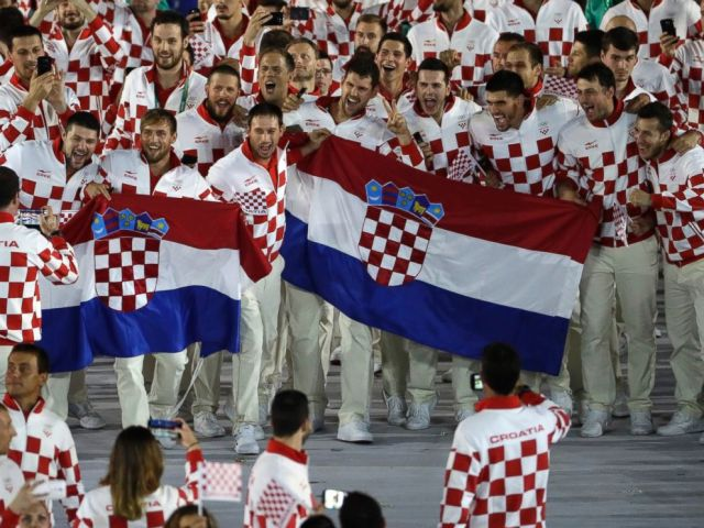 PHOTO: Croatian athletes pose for a photo with flags during the opening ceremony for the 2016 Summer Olympics in Rio de Janeiro, Brazil, Aug. 5, 2016.