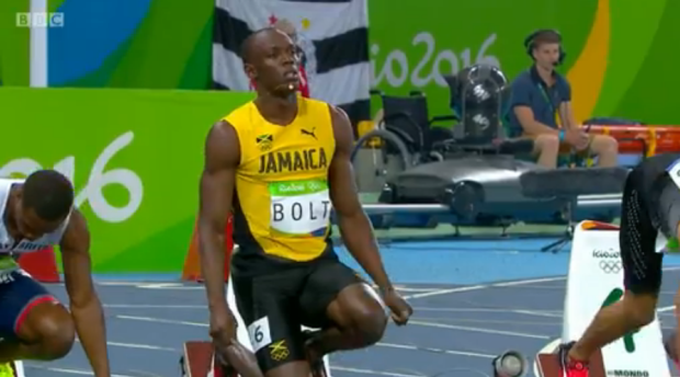 Usain Bolt wins his semi final of the mens 100m in rio