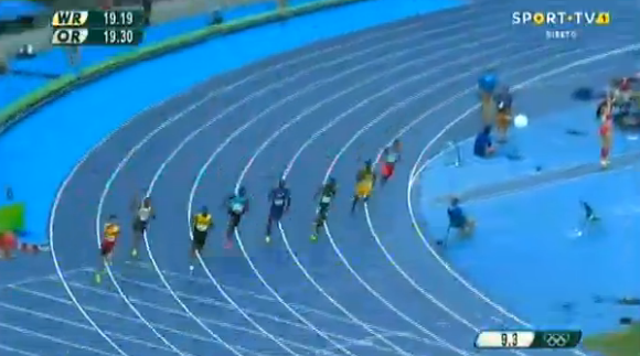 yohan blake running in mens 200m at the rio 2016 olympics
