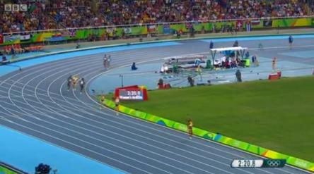 women 4x400m .32